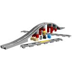 10872 Eisenbahnbrücke und Schienen